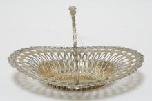 8.43 TROY OZ STERLING SILVER RETICULATED BASKET BY WHITING. 10 1/2 X 8 1/4 IN OVAL.