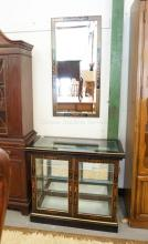 CHINOISERIE DECORATED DISPLAY CABINET & MATCHING MIRROR. GLASS SHELF & SIDES WITH A MIRRORED BACK.