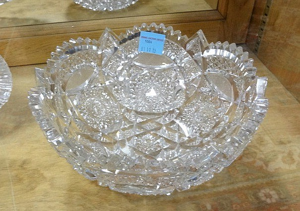 DEEP BRILLIANT CUT GLASS BOWL; 2 TEETH CHIPPED; 9