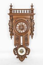 horloge baromètre thermomètre Henri II en bois sculpté naturel.