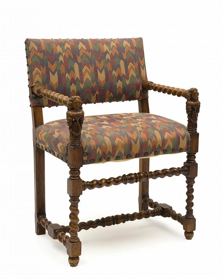 fauteuil de style louis xiii en noyer sculpt accotoirs aux. Black Bedroom Furniture Sets. Home Design Ideas
