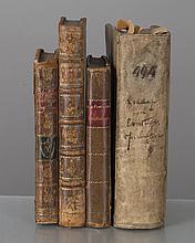 lot de quatre ouvrages anciens dont un livre de linguistique, une nouvelle en langue anglaise, un recueil de fables enfantines, et un livre de fables moralisatrices :