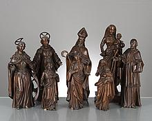 8 statues religieuses en sapin représentant :
