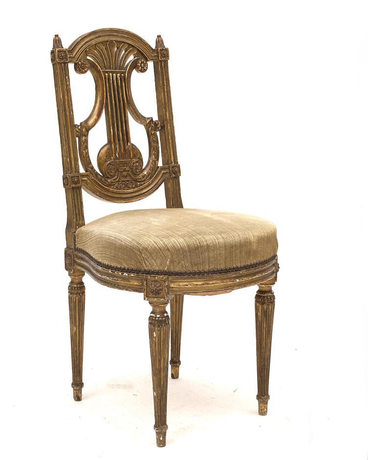 Chaise lyre style louis xvi en bois dor assise recouverte de velour - Refaire l assise d une chaise en bois ...
