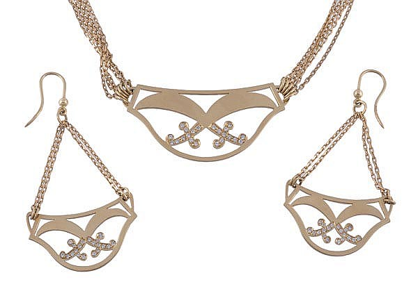 A diamond set necklace and ear pendants, by