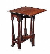 A walnut drop leaf table, first half 18th century