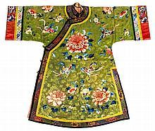 A Manchu woman's informal robe, changyi, late Qing dynasty