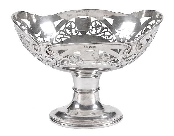 An Edwardian silver oval pedestal basket by Daniel