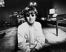 ** Robert Whitaker (1939-2011) - John Lennon, Tokyo, 1966