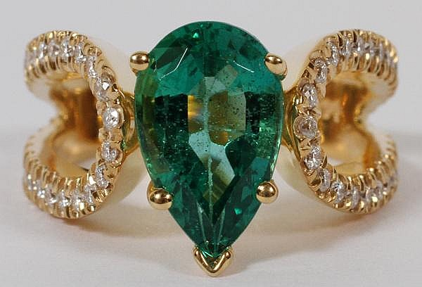 2.30CT EMERALD & .80CT DIAMOND RING, 6