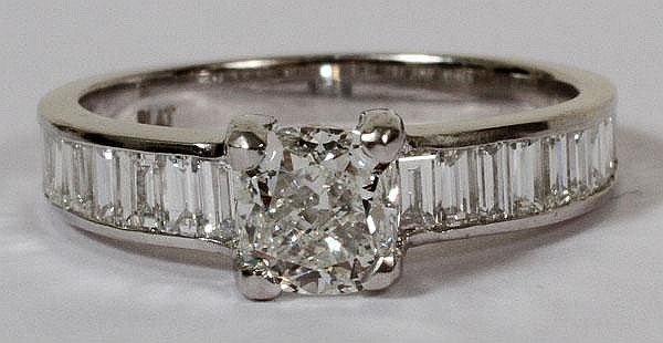 1.01CT DIAMOND RING & 1.40CT SIDE BAGUETTES, 7 1/2, GIA