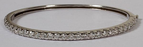 2.45CT DIAMOND & 14KT GOLD BANGLE BRACELET: