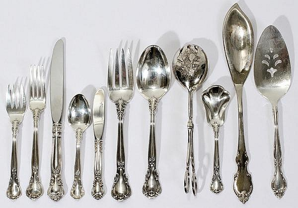 GORHAM 'CHANTILLY' STERLING FLATWARE SERVICE, 67 PIECES [SERVICE FOR 16]