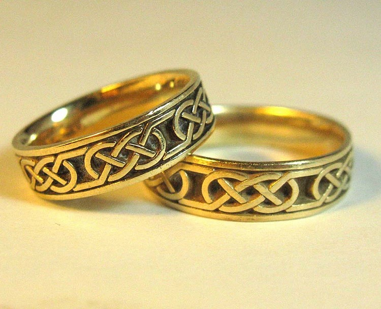 14K GOLD CELTIC KNOTWORK WEDDING RING SET