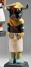 KACHINA HOOTE  Cottonwood, pigments et plumes