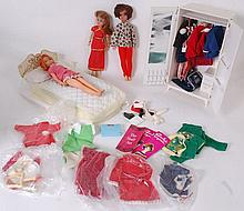 SINDY; A collection of vintage Sindy dolls (x 3 )