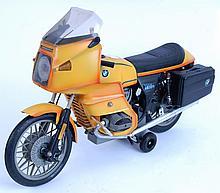 PAYA BMW MOTORCYCLE: An original vintage highly de