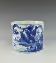 A QING BLUE AND WHITE BRUSH POT