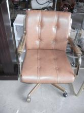 Leather Chair on Wheels   No Shipping Pick Up Only