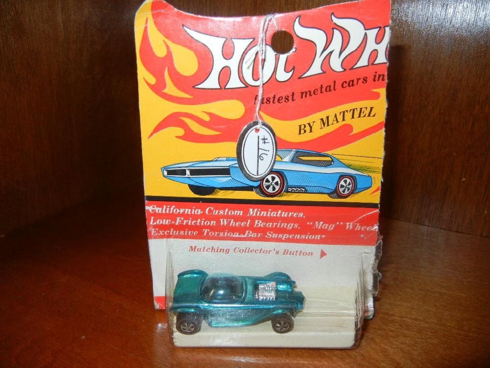 1969 Hot Wheels Beatnik Bandit Red Line in Damaged Blister Pack