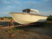 1966-19Ft. Lone Star Boat W/1966 Johnson 80 HP Outboard Motor and Trailer