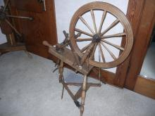 Antique Spinning Wheel-piece missing