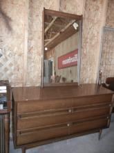 Bassett 6 Drawer Dresser & Mirror- Shipping Not Available for this Item Pick up Only!