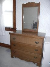 3 Drawer dresser W/Mirror;   Shipping Not Available for this Item Pick up Only!