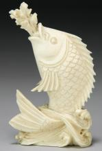 A Chinese Antique Ivory Carved Fish Snuff Bottle