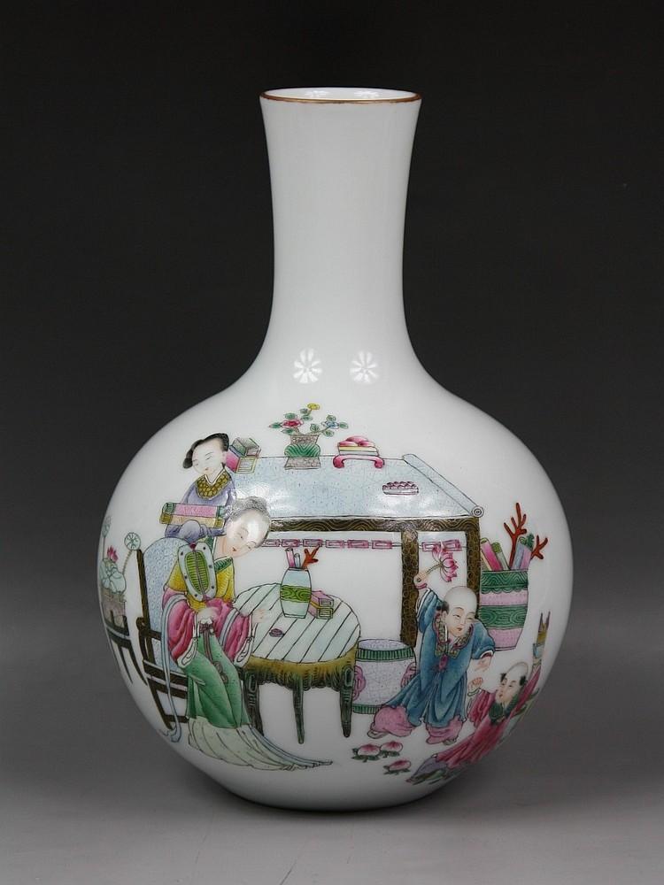 Chinese Famille Rose Baluster-Form Vase, Minguo
