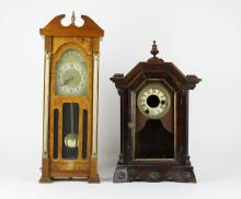 United Clock Company Brooklyn New York Model #444 Electric Clock together with Clock Case No Movement. Damage to Finials and front slat Electric Clock. Measures 20 Inches Tall. The Gallery does Not warranty the running condition of Clocks or the Parts. Please Examine All Clocks Carefully Before Bidding or ask for Specific Photos. Shipping $40.00