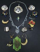 Box Lot of Costume Jewelry. Pendants, Earrings and Brooches. Overall Good Condition. Shipping $20.00