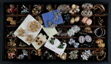 Miscellaneous Lot of Costume Jewelry Earrings, Some Vintage. Good Condition. Shipping $20.00