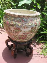 Chinese porcelain fish bowl, Qianlong Emperor 1711-1799