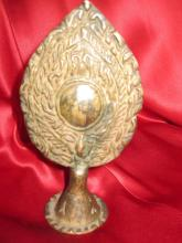 Newari altar bronze mirror,-right thought, Nepal