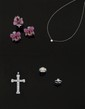CROIX PENDENTIF en platine, sertie de diamants. Poids des diamants: 8,30 cts environ.  Poids: 9,3 g