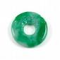 PENDENTIF en anneau de jade, gravé de têtes de dragons.  Le jade accompagné d'un certificat NCTC attestant: jadéite naturelle  Diamètre: 5 cm. Epaisseur: 7 mm environ