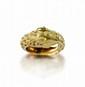 ZOLOTAS Bague serpent à la langue bifide en or jaune martelé et ciselé.   Monogrammée  Poids: 9,1 g