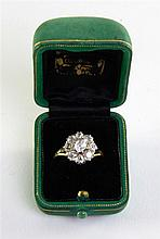 Edwardian diamond ring in the form of a daisy set in 18ct gold
