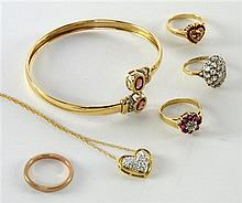Two 9ct gold gem set rings, a moisanite ring, gold wedding band, heart pendant necklace and a gilt metal garnet set bangle