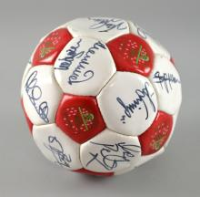 Arsenal Football Club - Football signed by Ian Wright, David Seaman, Paul Merson, Alan Smith, Tony Adams & others.