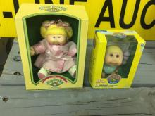 Cabbage patch kid this mini doll lots of 2 1982
