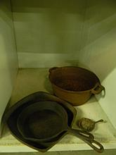 4 piece Cast Iron Cookware