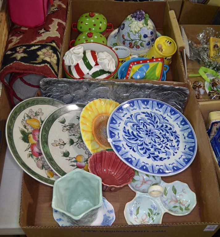 Two Bxs Decorative Ceramic Items