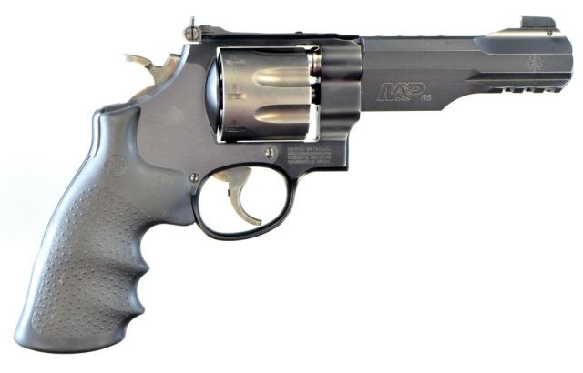 Smith & Wesson Model M&P R8 Revolver**