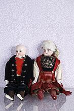 Couple de poupées allemandes