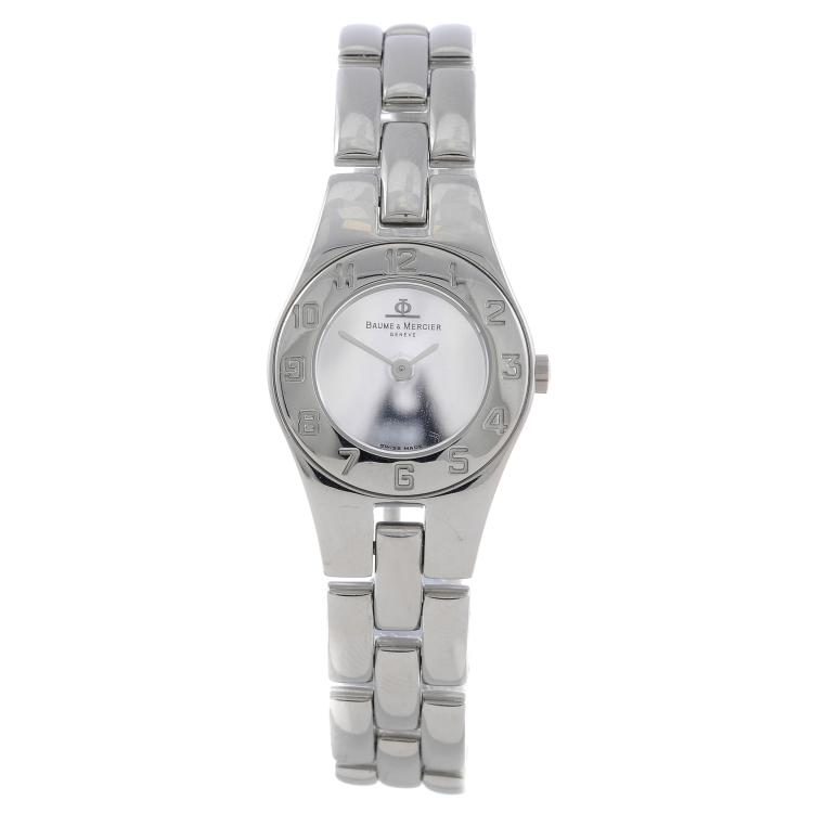BAUME & MERCIER - a lady's stainless steel Linea bracelet watch