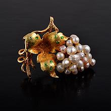 Antique pearl demantoid garnet pin