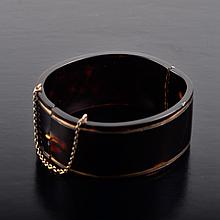 Tortoise shell bangle bracelet