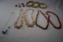 (6) various bead costume necklaces, (3) bracelets, (5) costume rings